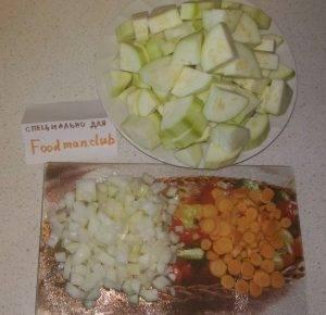 Кабачки, тушенные с овощами и сметаной - 2