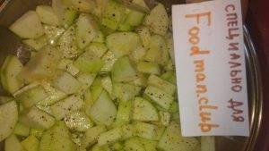 Кабачки, тушенные с овощами и сметаной - 3