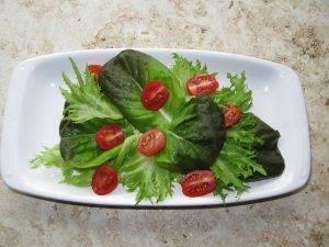 Салат из креветок и зелени - 1