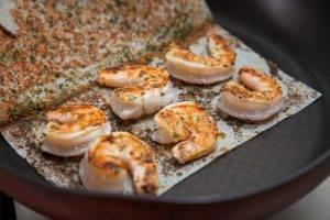 Салат с креветками, рукколой и горчичной заправкой - 1