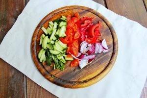 Салат из киноа и овощей - 1