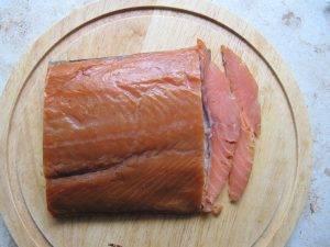 Салат из чечевицы с копченым лососем и беконом - 0