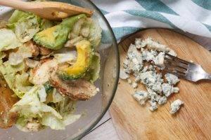 Салат с курицей и голубым сыром - 1