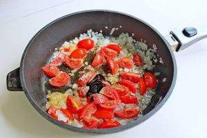 Теплый салат со спаржей и яйцом-пашот - 0