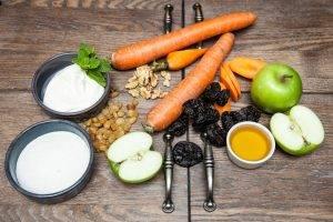 Салат из зеленого яблока и моркови - 0