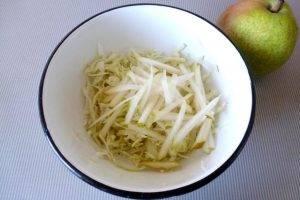 Капустный салат с грушей и черносливом - 0