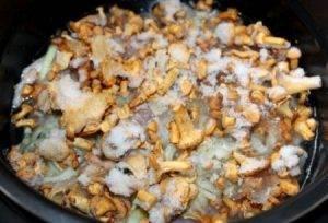 Пирог с картофелем и лисичками - 0