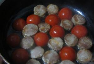 Фритатта с колбасой и помидорами - 2