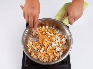 Картофель с начинкой из грибов и куриного филе - 1