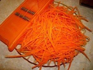 Витаминный салат из капусты с апельсином и морковью - 1