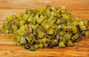 Свекольный салат с солеными огурцами - 0