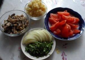 Салат из грибов и помидоров - 0