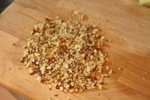 Салат из свеклы с чесноком и черносливом - 1