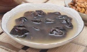 Чернослив с орехами в сметанном креме - 0