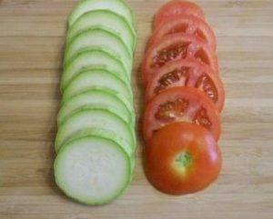 Овощная запеканка из помидоров, кабачков и болгарского перца - 0