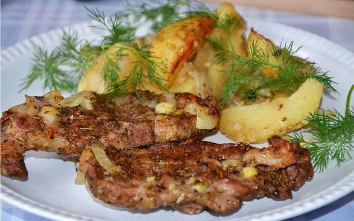 кусочки шейки в духовке с картошкой рецепт