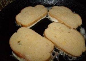 Французские гренки на сковороде - 1