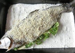Запеченная форель на соли в кунжуте - 2