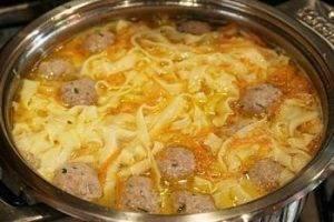 Суп-лапша с фрикадельками - 1