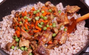 Перловая каша с мясом, грибами и овощами - 2