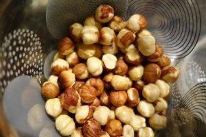 Орехово-вафельные конфеты в шоколадной глазури - 1