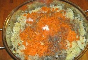 Свинина с квашеной капустой в духовке - 0