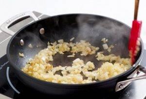 Салат с яйцом и крабовыми палочками «Нарцисс» - 3