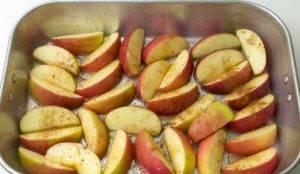 Печеные яблоки с корицей - 1