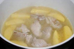Тушеная свинина с картофелем и сливками - 1