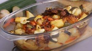 Свинина с картошкой и кабачками в духовке - 1