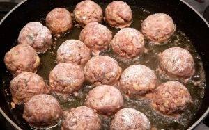 Жареные тефтели из свиного фарша с сыром - 1
