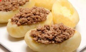 Фаршированный картофель со свининой в духовке - 1