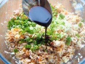 Салатные шарики из консервированной рыбы - 4