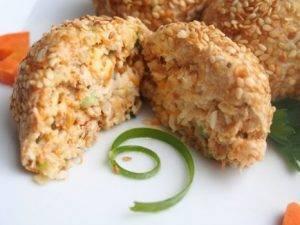 Салатные шарики из консервированной рыбы - 8