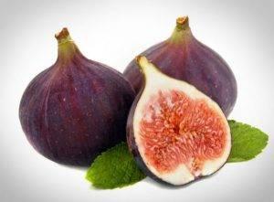 Вегетарианский салат с инжиром, рукколой и моцареллой - 3