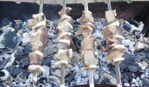 Шашлык из печени на мангале - 5