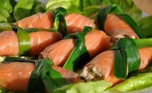 Рулетики из красной рыбы с тунцом и рисом - 2