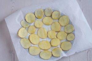 Картофельные чипсы в микроволновке - 2
