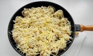 Пельмени, жаренные под сыром - 2
