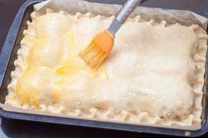 Пирог из творожного теста с яблоками - 3