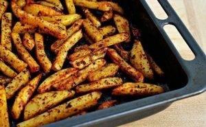 Картофель со специями, жареный в духовке - 5
