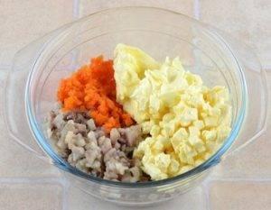 Закуска из селедки и плавленого сыра - 4