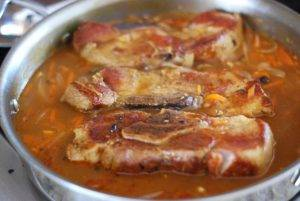 Тушеные свиные ребрышки с подливой - 3
