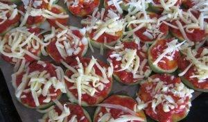 Мини-пиццы на кабачке - 2