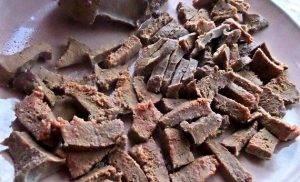 Салат с говяжьей печенью - 1