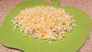 Салат из печени трески с яйцом - 0