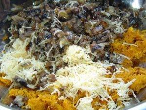 Кабачковый рулет с грибами и морковью - 4