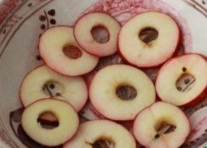 Яблоки в кляре - 1