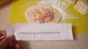 Быстрые пирожки с сыром, колбасой и яйцом - 1