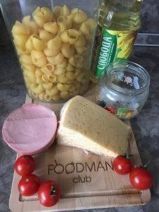 Макароны с сыром и колбасой на завтрак - 0